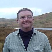 Kirjailijan kuva. J.D. Davies