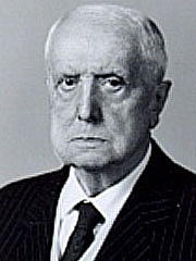 """Author photo. Wikipedia """"Immagine ufficiale del senatore Carlo Bo. Prodotta dal Senato della Repubblica Italiana nel 1984."""""""