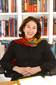 Foto de l'autor. Prof. Anne-Marie Slaughter. Photo credit: Denise Applewhite, 2004 (photo courtesy of Princeton University)