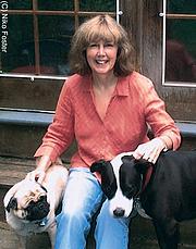 Fotografia de autor. Publicity photo provided by Houghton-Mifflin