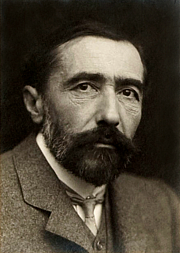 Foto auteur. Wikimedia Commons; original by George Charles Beresford (1904)