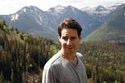 Kirjailijan kuva. From Amazon