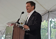 "Författarporträtt. Douglas Brinkley at National Book Festival By angela n. - <a href=""https://www.flickr.com/photos/aon/8013895914/in/photostream/"" rel=""nofollow"" target=""_top"">https://www.flickr.com/photos/aon/8013895914/in/photostream/</a>, CC BY 2.0, <a href=""https://commons.wikimedia.org/w/index.php?curid=33741071"" rel=""nofollow"" target=""_top"">https://commons.wikimedia.org/w/index.php?curid=33741071</a>"