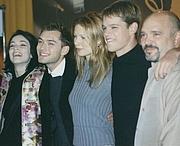 "Fotografia de autor. Cast and director of Talented Mr Ripley at the 2000 Berlinale, left-right: Stefania Rocca, Jude Law, Gwyneth Paltrow, Matt Damon, Anthony Minghella. Photo by <a href=""http://www.flickr.com/people/howie_berlin/"">Michael Wiener</a>."