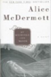 At Weddings and Wakes por Alice Mcdermott