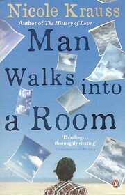 Man Walks Into a Room af Nicole Krauss