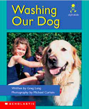 Washing Our Dog (Alphakids) de Greg Lang
