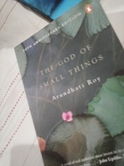 The God of Small Things: A Novel por…